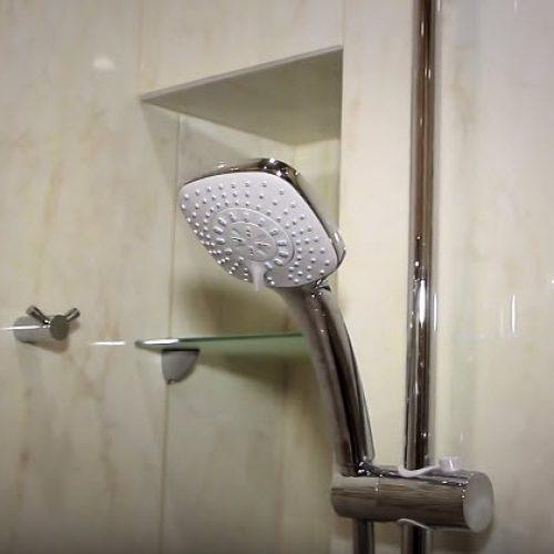 Монтаж, установка лейки для душа в ванной комнате