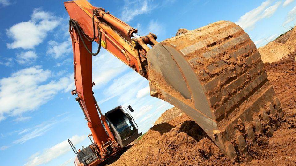 Спец техника для земляных работ в Артёме