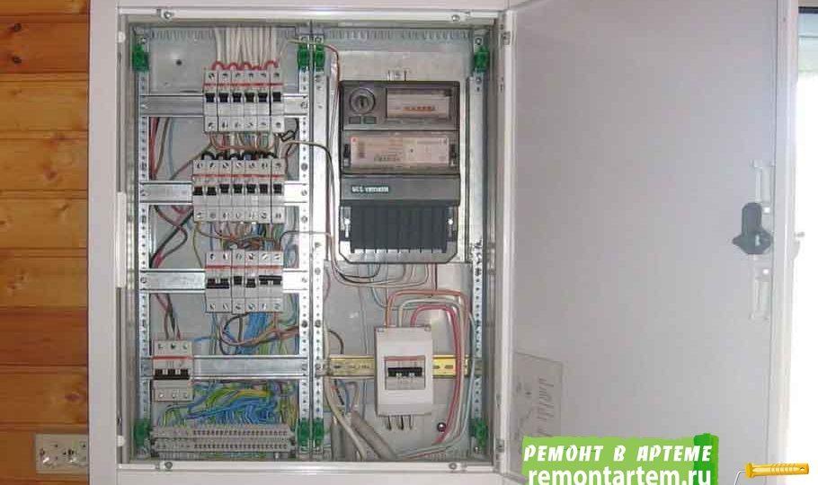 Установка и замена электросчётчика в Артёме недорого